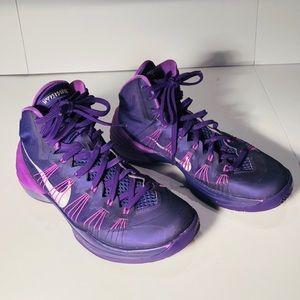 Women's Nike Hyperdunk purple high top shoe size 9